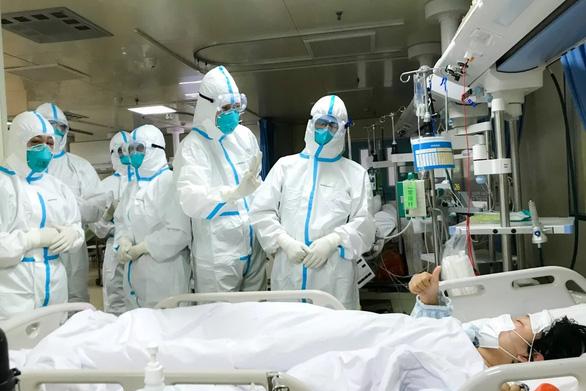 Bác sĩ tuyến đầu trị corona ở Trung Quốc: Hầu hết người nhiễm sẽ khỏi sau 2 tuần - Ảnh 2.