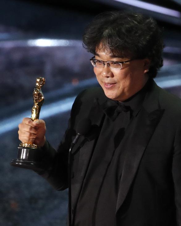 Đạo diễn Bong Joon Ho sau chiến thắng Oscar: Mọi thứ thật điên rồ! - Ảnh 3.