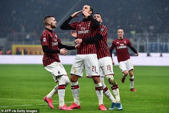Inter thắng ngược AC Milan sau khi bị dẫn trước 2 bàn - Ảnh 1.