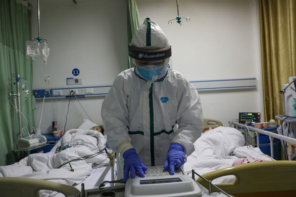 Chính quyền phải bảo vệ nhân viên y tế chống dịch bị đuổi khỏi chung cư - Ảnh 1.