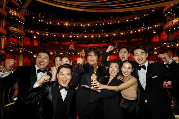 Thắng lớn ở Oscar, phim Parasite được chiếu lần 2 tại Việt Nam - Ảnh 1.