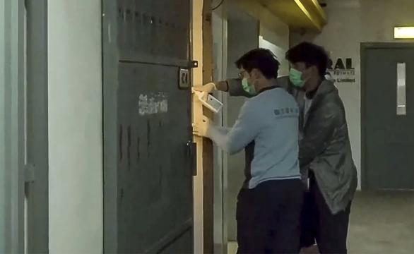 9 người cùng gia đình ở Hong Kong nhiễm nCoV sau tiệc lẩu, thịt nướng - Ảnh 2.
