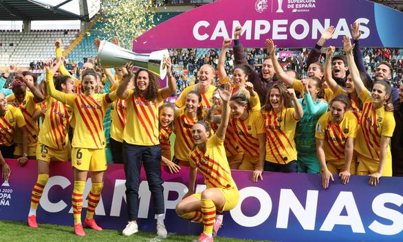 HLV đội nữ Real Sociedad chê liên đoàn vì... để họ phải đá với đội quá mạnh - Ảnh 2.