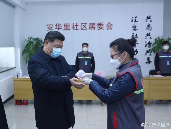 Chủ tịch Tập Cận Bình thị sát bệnh viện phòng chống corona ở Bắc Kinh - Ảnh 2.