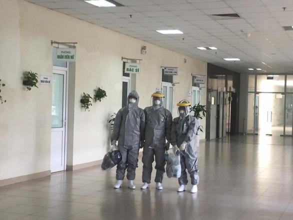 Hành trình sang Vũ Hán đón thai phụ 8 tháng của nữ bác sĩ trẻ - Ảnh 2.