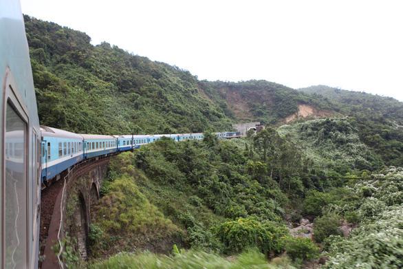Khẩn trương thẩm định nghiên cứu tiền khả thi dự án đường sắt tốc độ cao Bắc - Nam - Ảnh 1.