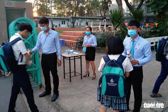 Học sinh Đồng Nai học lại ngày 17-2 - Ảnh 1.