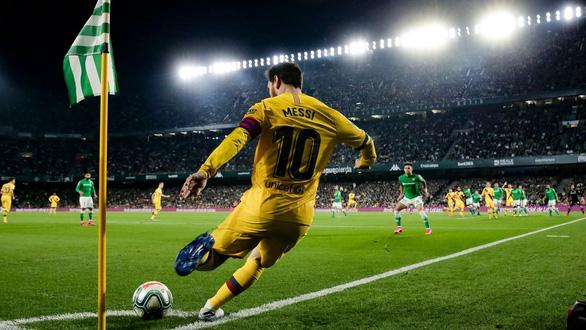 Chờ ngày Messi ra đi - Ảnh 1.