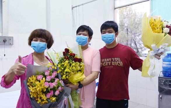 Lá thư 2 cha con nhiễm COVID-19 người Trung Quốc gửi bác sĩ Bệnh viện Chợ Rẫy - Ảnh 1.