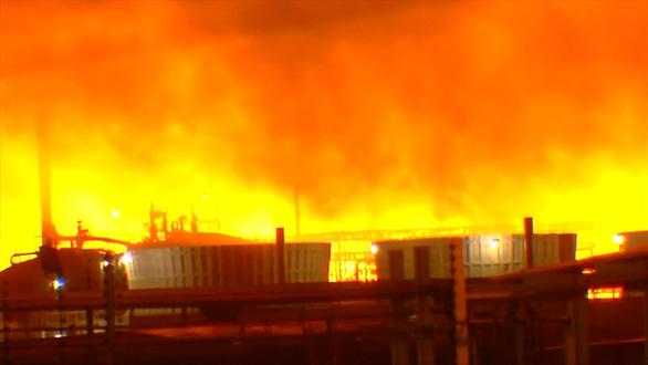 Cháy lớn tại nhà máy lọc dầu của Exxon Mobil ở Mỹ - Ảnh 1.