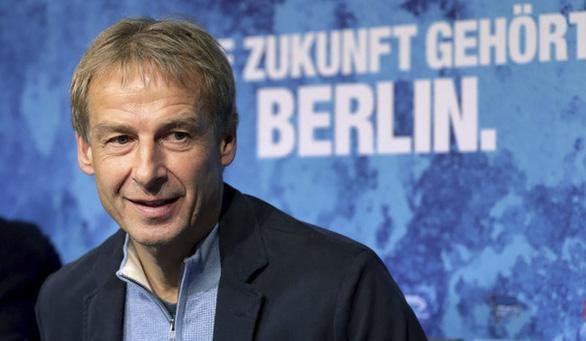 HLV Klinsmann chia tay Hertha Berlin sau 10 tuần dẫn dắt - Ảnh 1.
