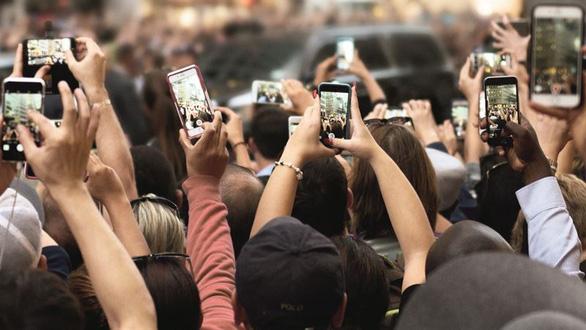 FDA: Điện thoại di động không gây bệnh ung thư - Ảnh 1.