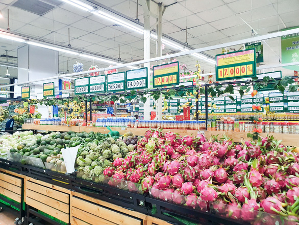 Saigon Co.op giảm giá mạnh để giải cứu nông sản - Ảnh 1.