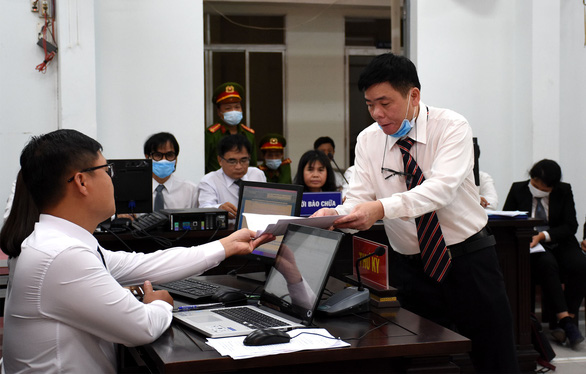 Luật sư Trần Vũ Hải kêu oan cho mình và vợ - Ảnh 3.