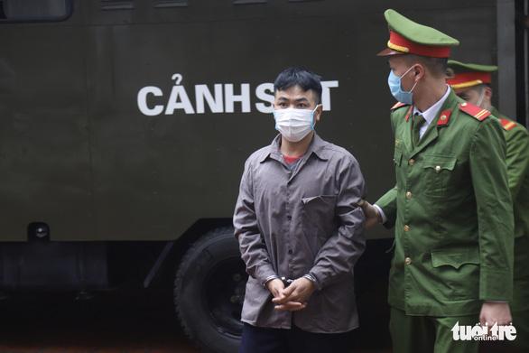 Hai bị cáo vụ lùi xe trên cao tốc Thái Nguyên tiếp tục hầu tòa - Ảnh 2.