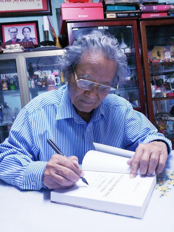 Nhớ Trần Thanh Phương - người giữ kỷ lục về sưu tập chân dung và bút tích nhà văn - Ảnh 1.
