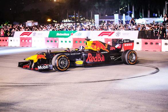 Hoãn chặng đua F1 Trung Quốc không ảnh hưởng chặng đua F1 Việt Nam - Ảnh 1.