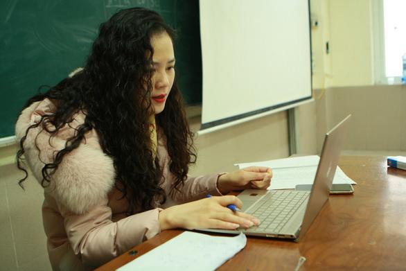 Hà Nội tiếp tục cho học sinh nghỉ học thêm 1 tuần - Ảnh 1.