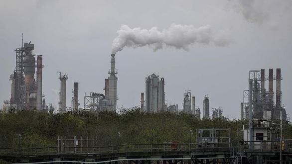 Thế giới mất 8 tỉ USD mỗi ngày do ô nhiễm từ đốt nhiên liệu hóa thạch - Ảnh 1.