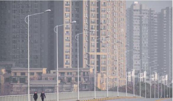 Doanh nhân Hong Kong đến Vũ Hán để vực dậy tinh thần y, bác sĩ - Ảnh 2.