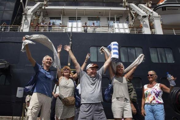 Phát hiện khách của du thuyền Westerdam vừa cập cảng Campuchia nhiễm COVID-19 - Ảnh 3.