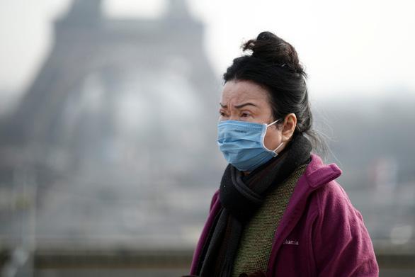 Pháp có bệnh nhân tử vong do nhiễm COVID-19, ca đầu tiên ở châu Âu - Ảnh 1.