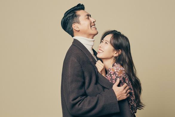 Hyun Bin và Son Ye Jin: Đôi tình nhân Liên Triều - Ảnh 1.