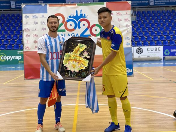 Tuyển futsal Việt Nam thắng trận đầu tiên tại Tây Ban Nha - Ảnh 1.