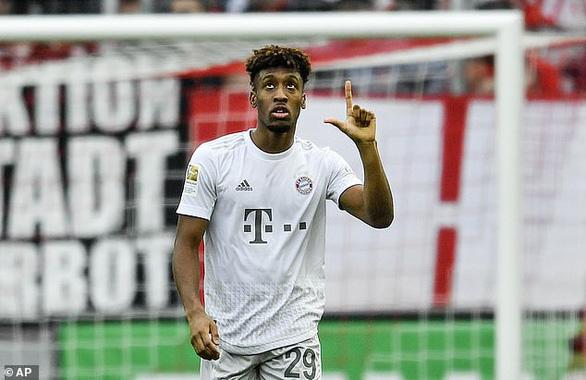 Đè bẹp Cologne, Bayern Munich trở lại ngôi đầu bảng - Ảnh 1.