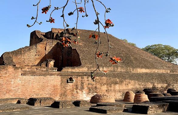 Du lịch về đất Phật lên ngôi - Ảnh 1.