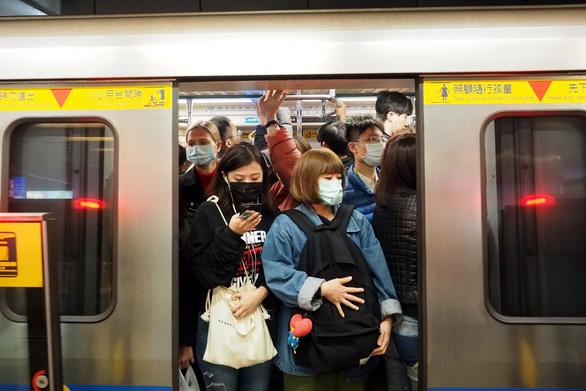 Đài Loan có ca tử vong đầu tiên do virus corona - Ảnh 1.