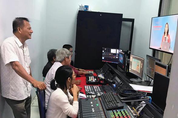 Đồng Nai bắt đầu ôn tập kiến thức cho học sinh qua truyền hình - Ảnh 1.