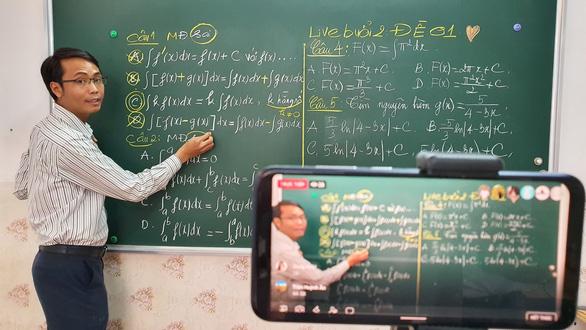 Khi học sinh ở nhà, các đài truyền hình nên vào cuộc - Ảnh 1.
