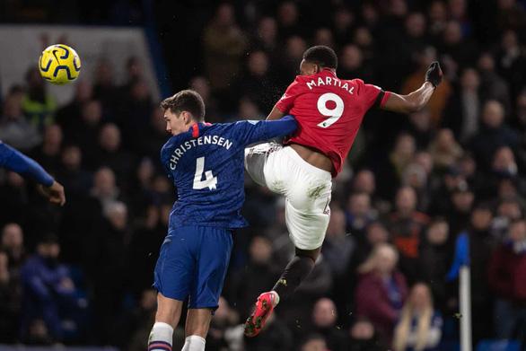 Hai lần bị VAR hủy bàn thắng, Chelsea nhận thất bại trước M.U - Ảnh 2.