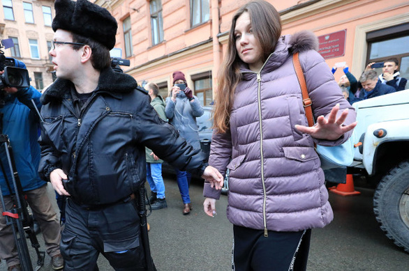 Bác sĩ kiện, Tòa án Nga lệnh 1 người trốn cách ly COVID-19 quay lại bệnh viện - Ảnh 1.