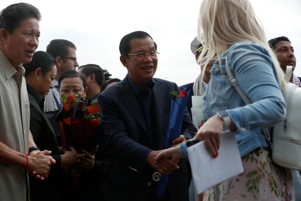 Ông Hun Sen lên tiếng về quyết định cho du thuyền Westerdam cập cảng - Ảnh 1.