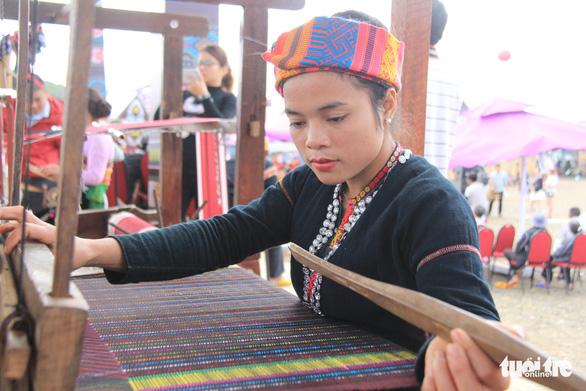 Các trường nghề ở Đắk Lắk vẫn học dù học sinh cả tỉnh nghỉ - Ảnh 1.
