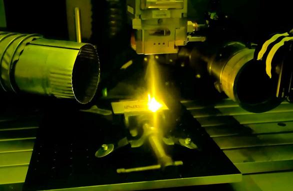Australia có thể kiểm soát ánh sáng laser chỉ với chi phí rất rẻ - Ảnh 1.