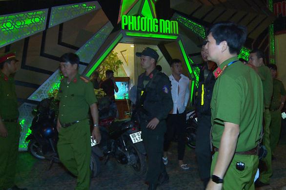 Quản lý quán karaoke bán ma túy cho khách bị khởi tố - Ảnh 1.