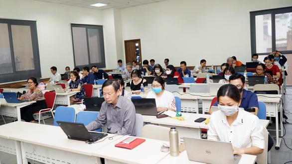 Làm nghiêm túc, đào tạo trực tuyến hiệu quả hơn dạy học truyền thống - Ảnh 1.