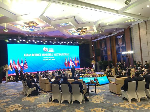 Bộ trưởng Quốc phòng ASEAN nhất trí hợp tác chống dịch COVID-19 - Ảnh 1.