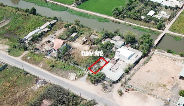 Công an tìm vật chứng trên kênh gần nhà hoang Tuấn khỉ bị tiêu diệt - Ảnh 5.