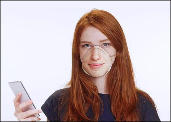 Trò đùa công nghệ: khẩu trang 900.000 đồng in hình khuôn mặt để mở điện thoại