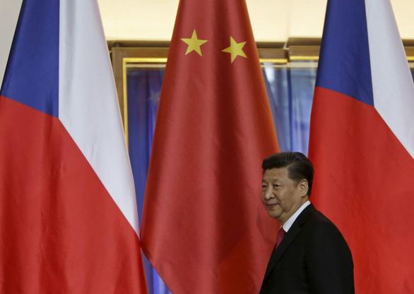 Trung Quốc dọa trừng phạt các công ty Czech nếu chủ tịch thượng viện thăm Đài Loan - Ảnh 1.