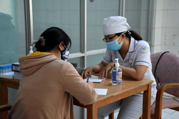 Bệnh nhân nhiễm virus corona khả quan, Khánh Hòa vẫn không chủ quan - Ảnh 3.