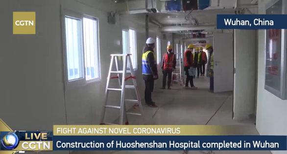 Trung Quốc xây xong bệnh viện dã chiến 1.000 giường ở Vũ Hán sau 10 ngày - Ảnh 6.