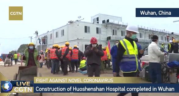 Trung Quốc xây xong bệnh viện dã chiến 1.000 giường ở Vũ Hán sau 10 ngày - Ảnh 8.