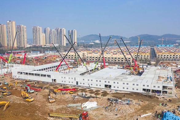 Trung Quốc xây xong bệnh viện dã chiến 1.000 giường ở Vũ Hán sau 10 ngày - Ảnh 3.