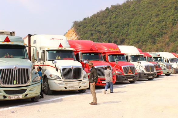 Xem xét mở cửa khẩu quốc tế Hữu Nghị để 'cứu nông sản - Ảnh 1.