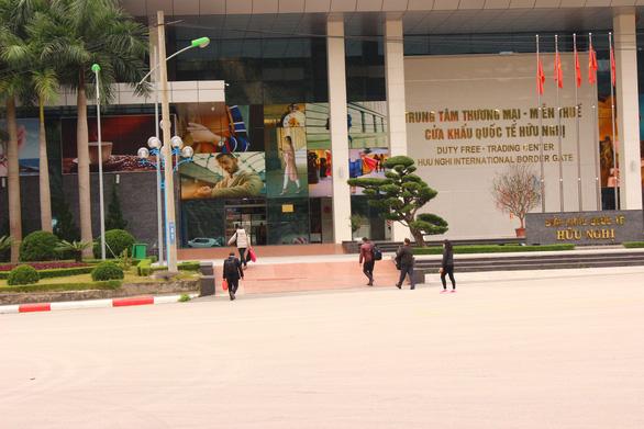 Xem xét mở cửa khẩu quốc tế Hữu Nghị để 'cứu nông sản - Ảnh 2.